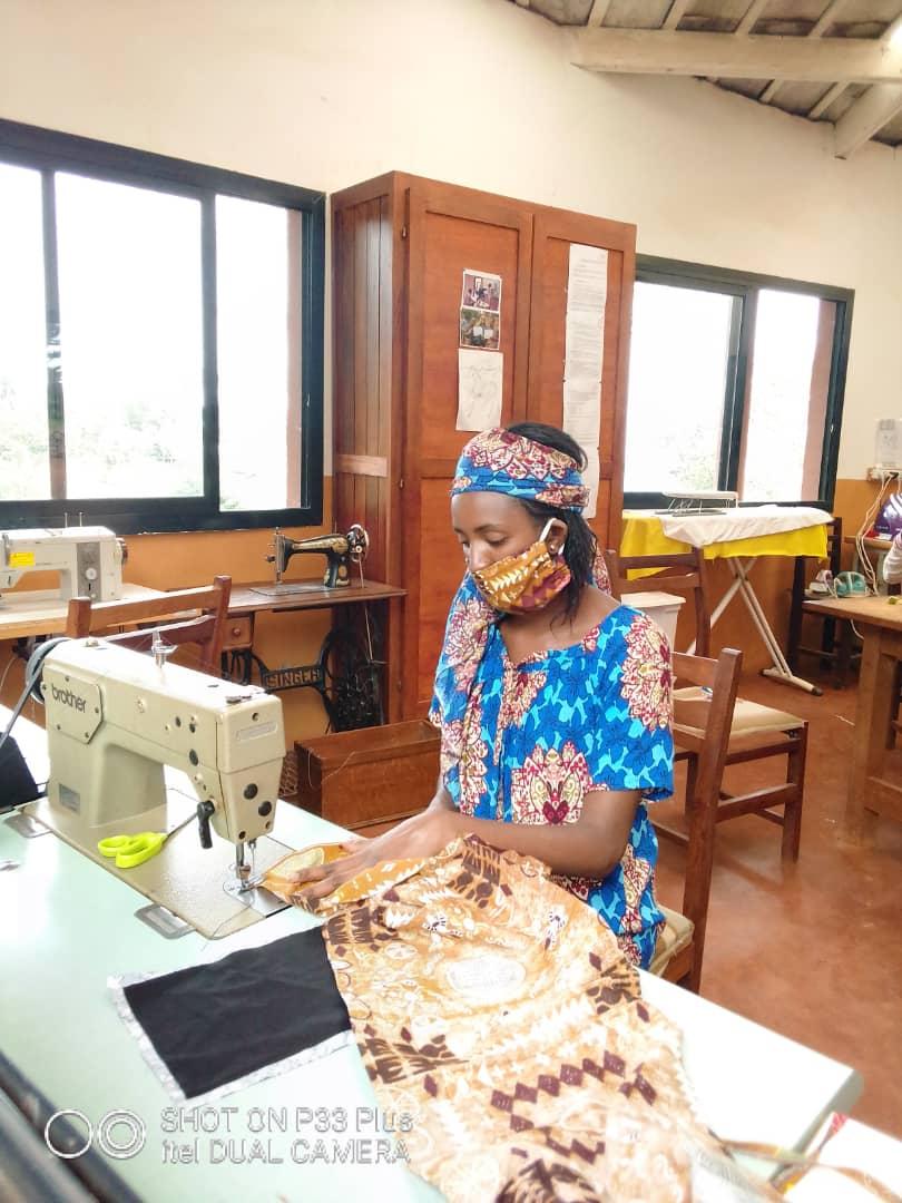 L'ONG Fondation Jean-Félicien Gacha lutte contre le COVID-19